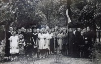 Theodor Baranov with students of the Riga 7th Russian basic school